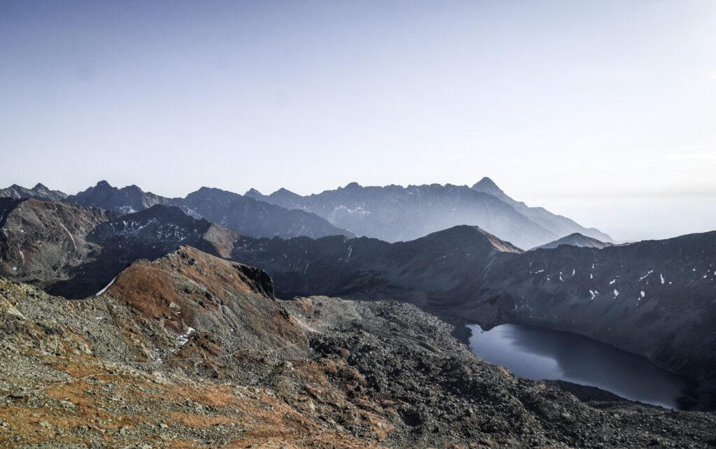 Udsigten fra Zawrat i Tatrabjergene