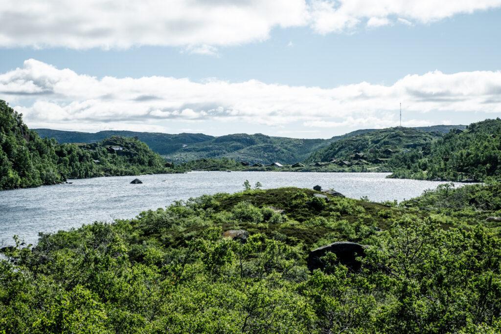 Hytteområde ved Farevatn i Ljosland