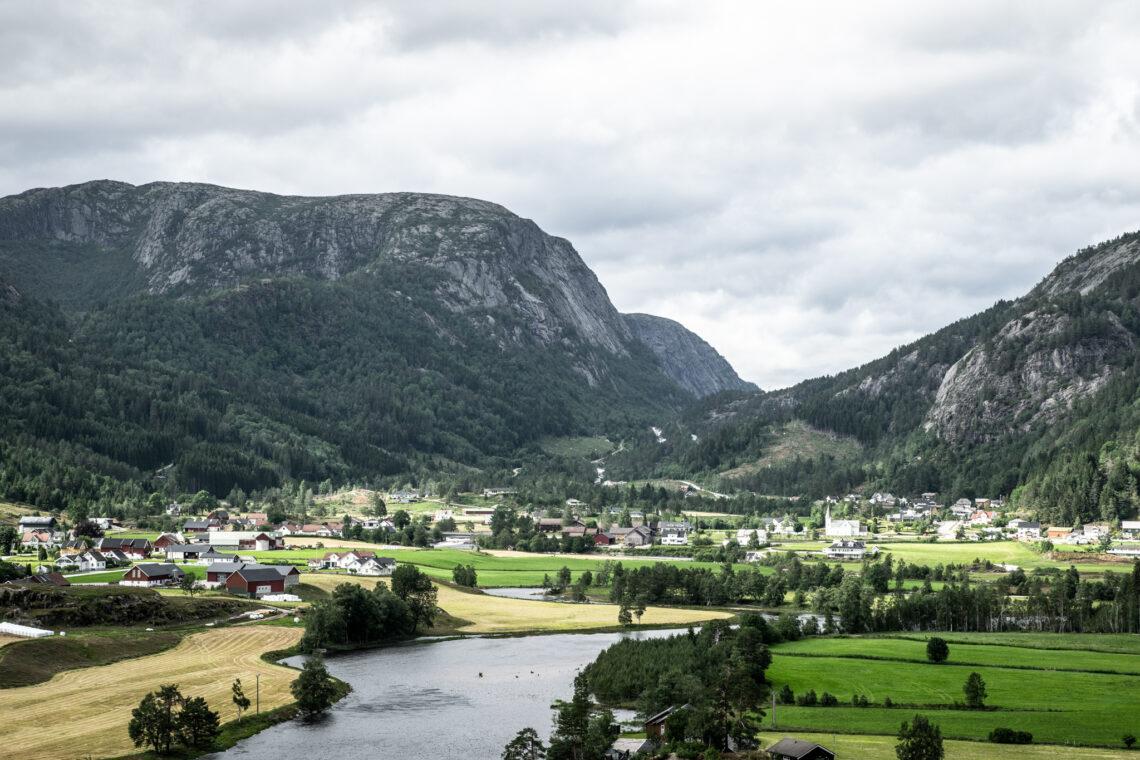 Kyrkjebygda, Åseral